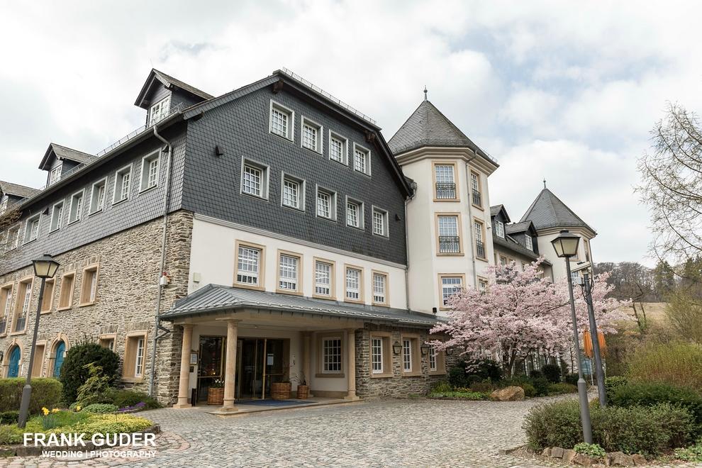 Hochzeitsfotograf Hofgut Georgenthal-Gebäude