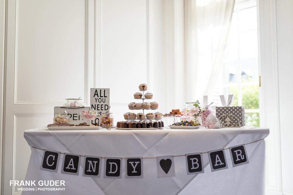 Hochzeitsfotograf Hofgut Georgenthal-Tischdekoration