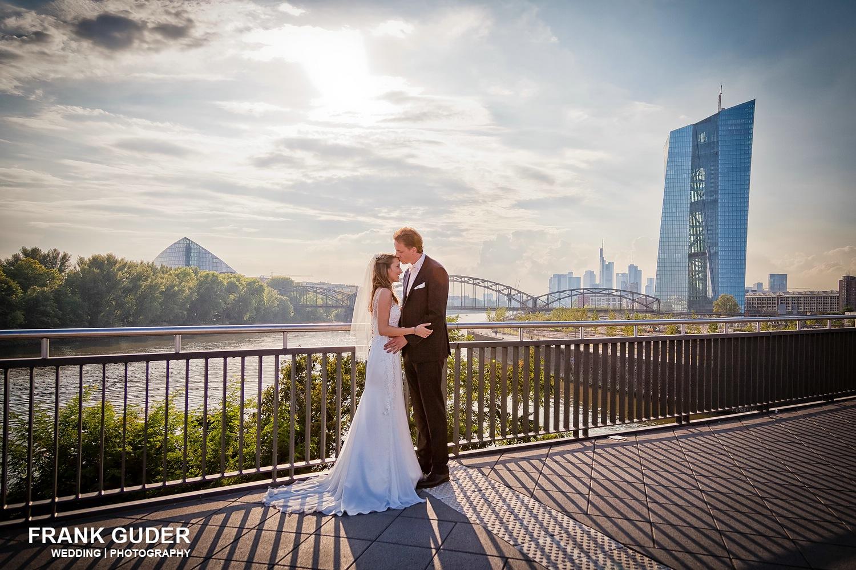 Brautpaar im Frankfurter Osthafen