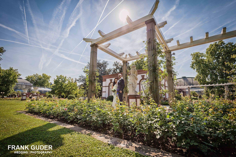 Brautpaar im Palmengarten in Frankfurt