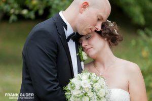 Brautpaar schwer verliebt